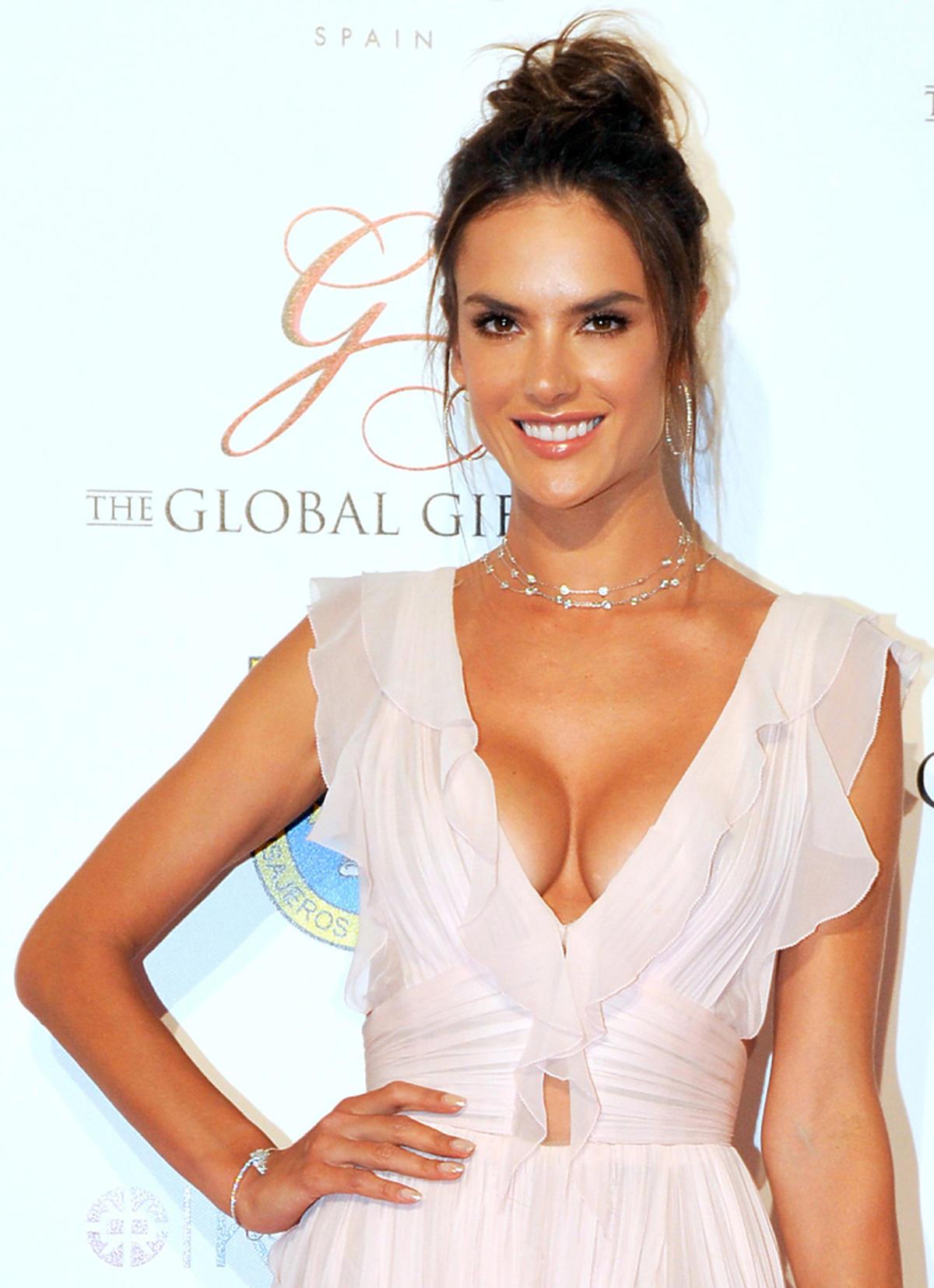 Alessandra Ambrosio na hiszpańskiej imprezie Global Gift Gala