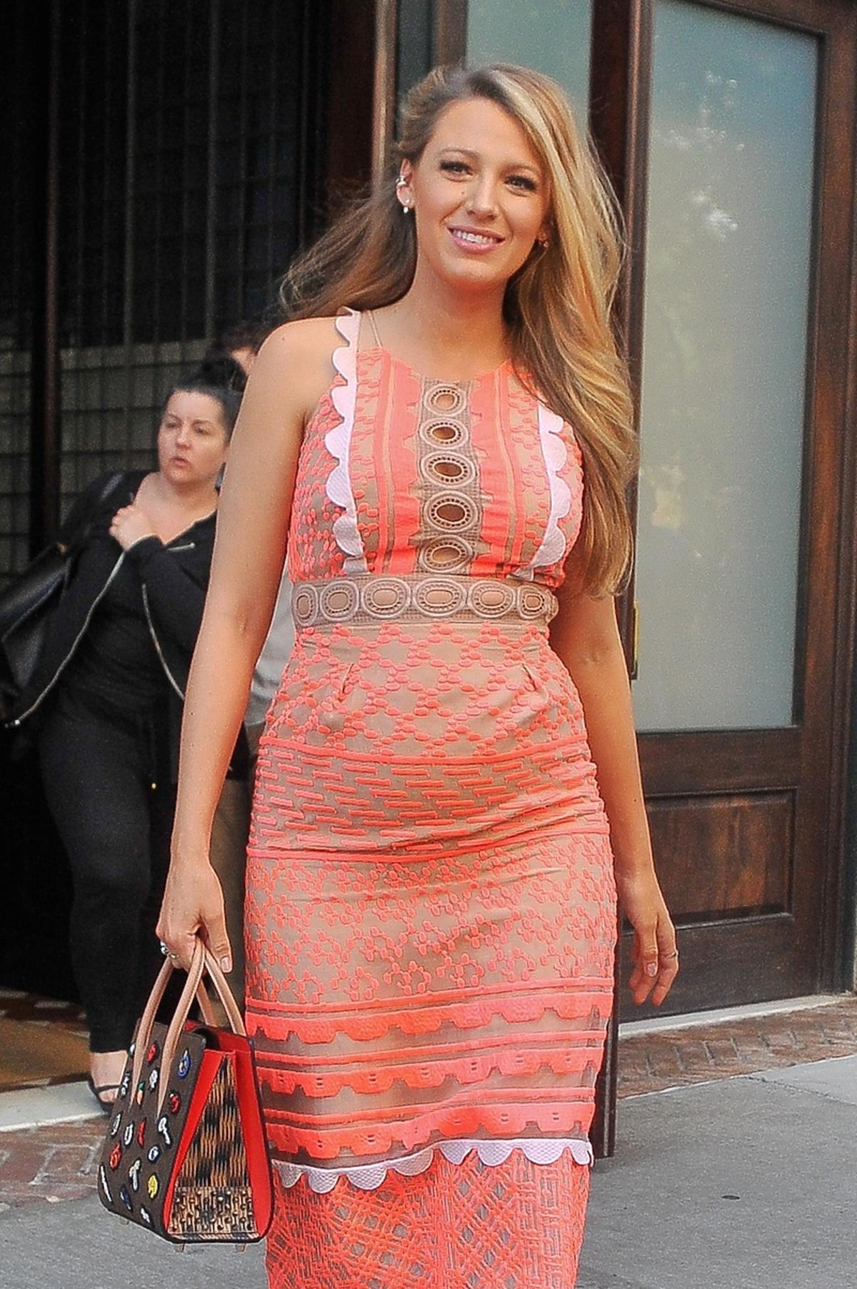 Ciążowa stylizacja Blake Lively w Nowym Jorku