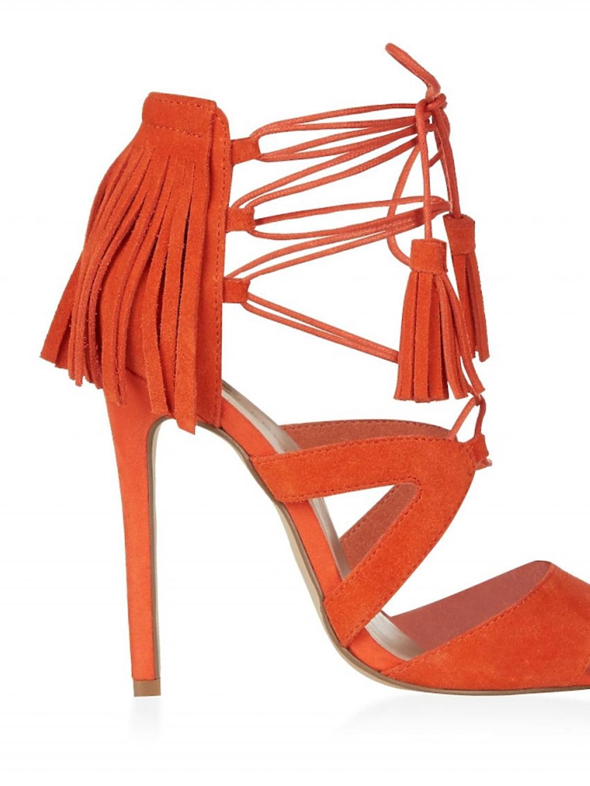 Etniczne sandałki w intensywnym odcieniu oranżu od New Look
