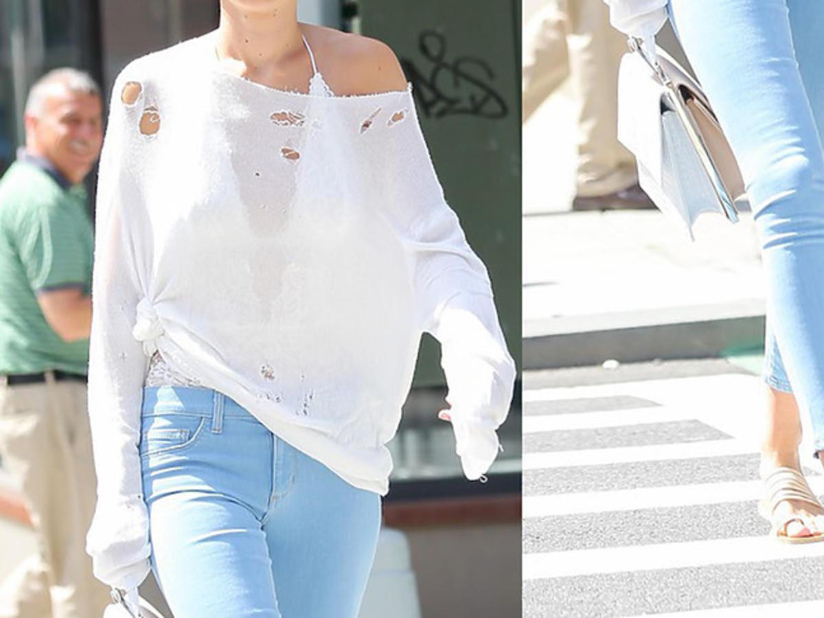 Gigi Hadid w podartym topie na spacerze w Nowym Jorku