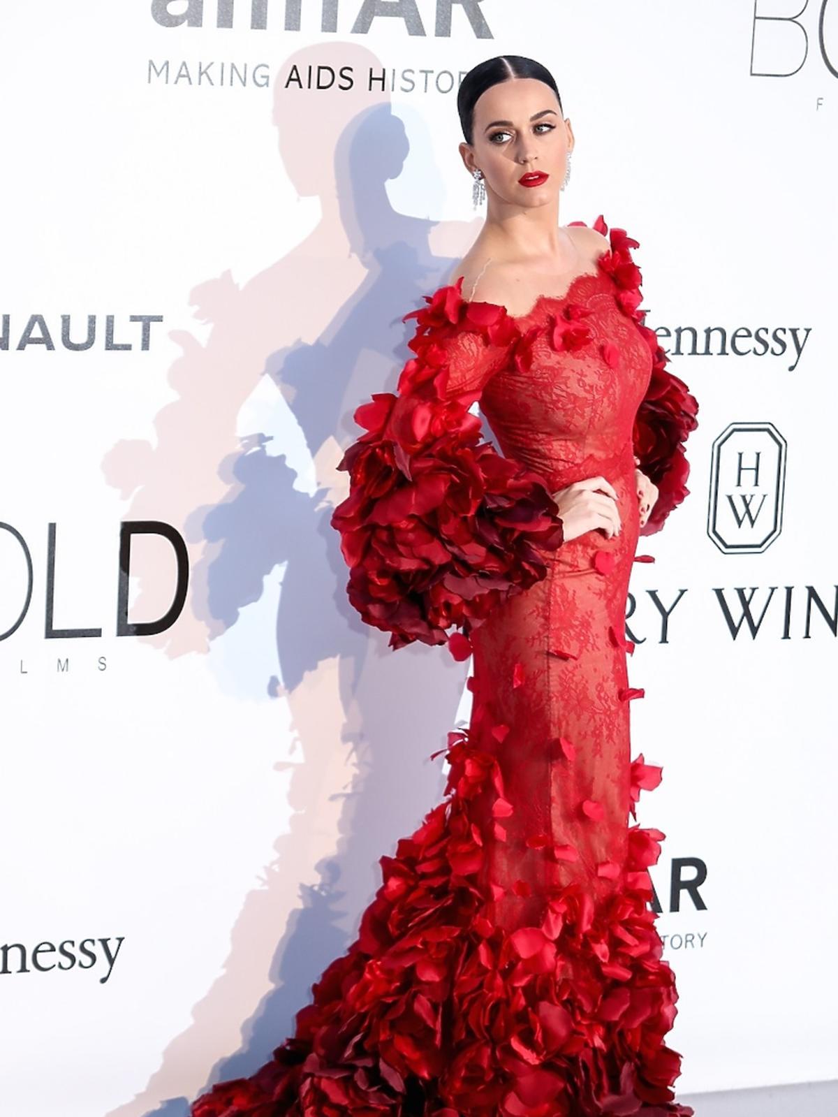 Seksowna Katy Perry na gali amfAR w Cannes