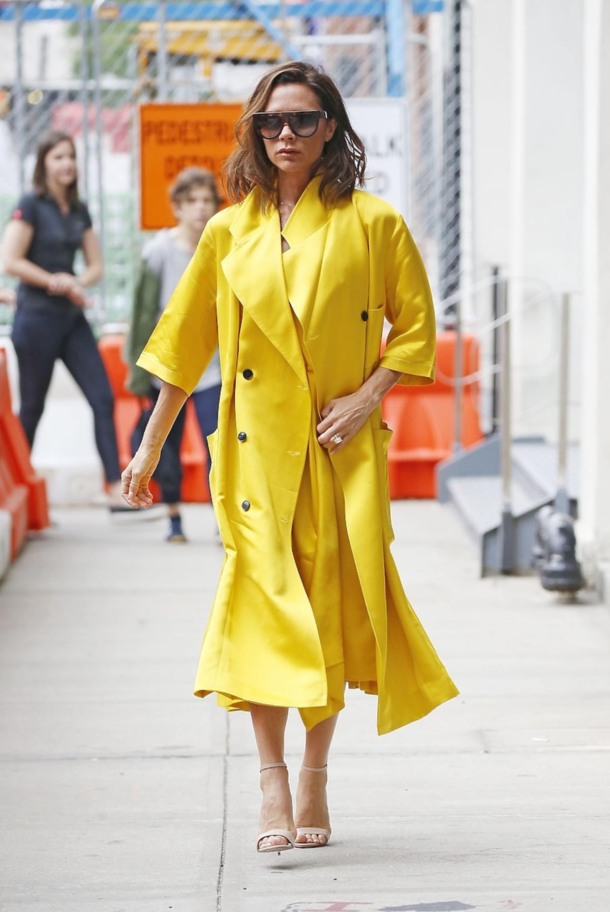 Victoria Beckham wychodzi ze swojego biura w Nowym Jorku