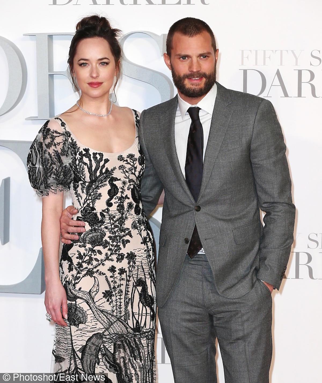 Dakota Johnson i Jamie Dornan na premierze Ciemniejszej strony Greya w Londynie