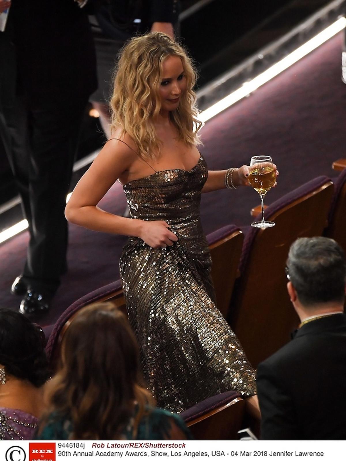Jennifer Lawrence bawi się na Oscarach 2018