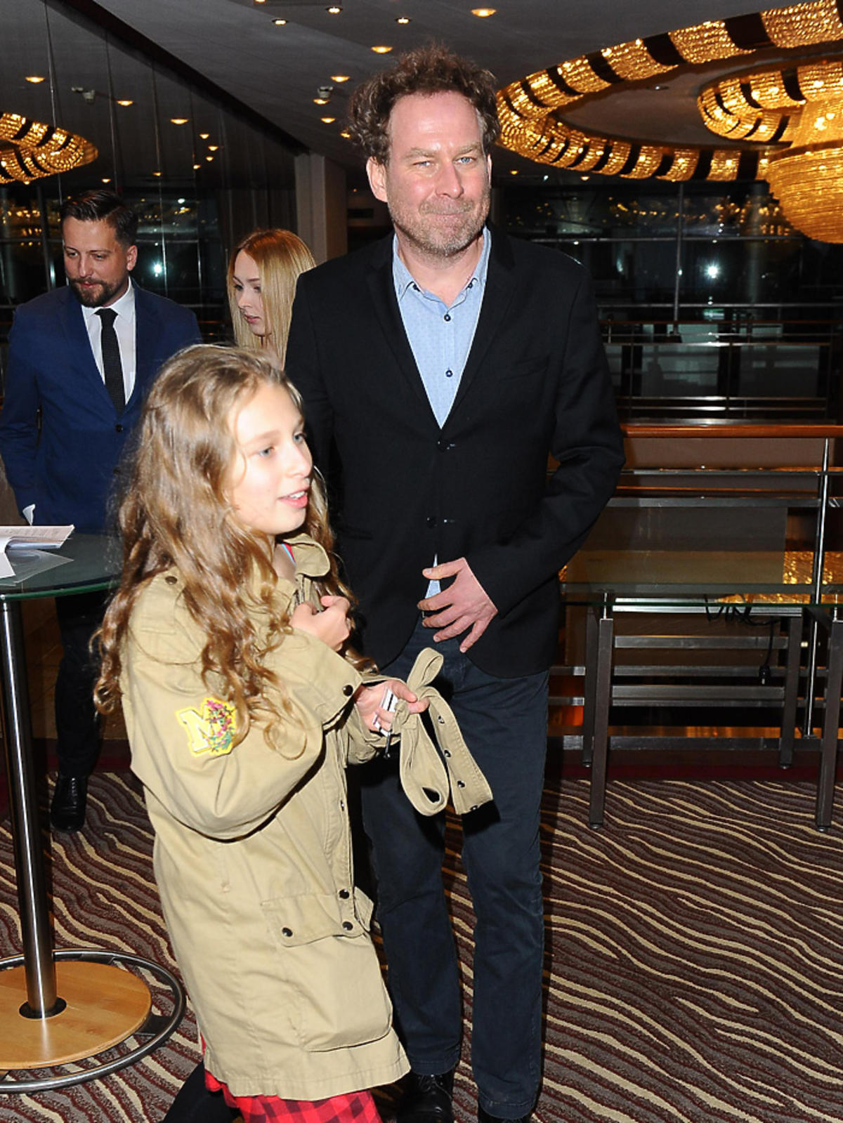 Marcin Perchuć z córką Zosią na gali Hotel Przyjazny Rodzinie