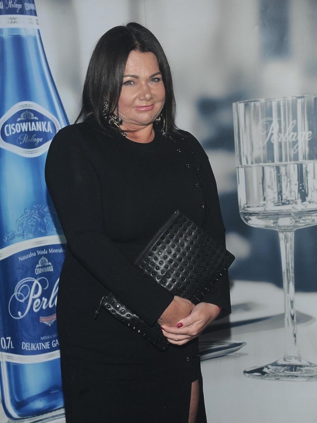 Katarzyna Niezgoda pozuje do zdjęć na pokazie