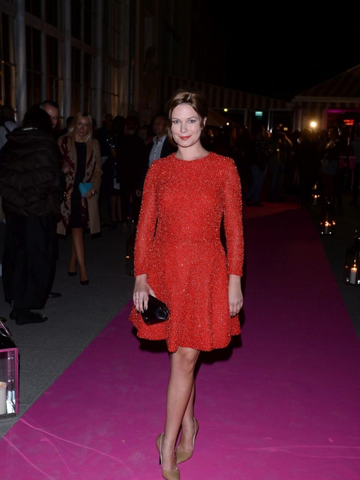 Aneta Todorczuk-Perchuć w czerwonej sukience