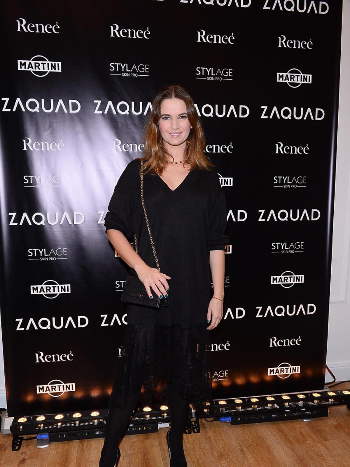 Karolina Malinowska na imprezie Zaquad w czarnej sukience
