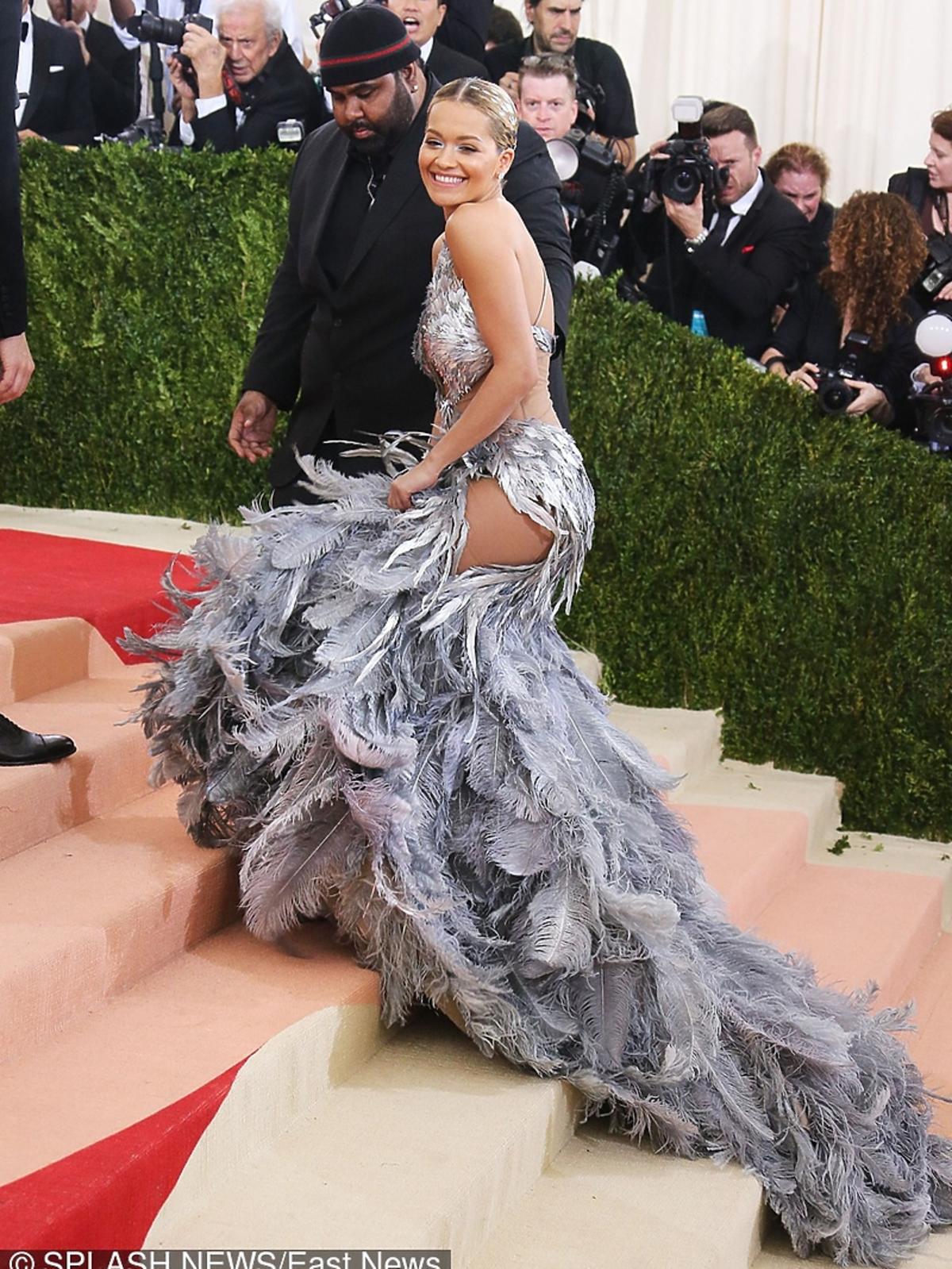 Rita Ora na MET Gala 2016 w Nowym Jorku