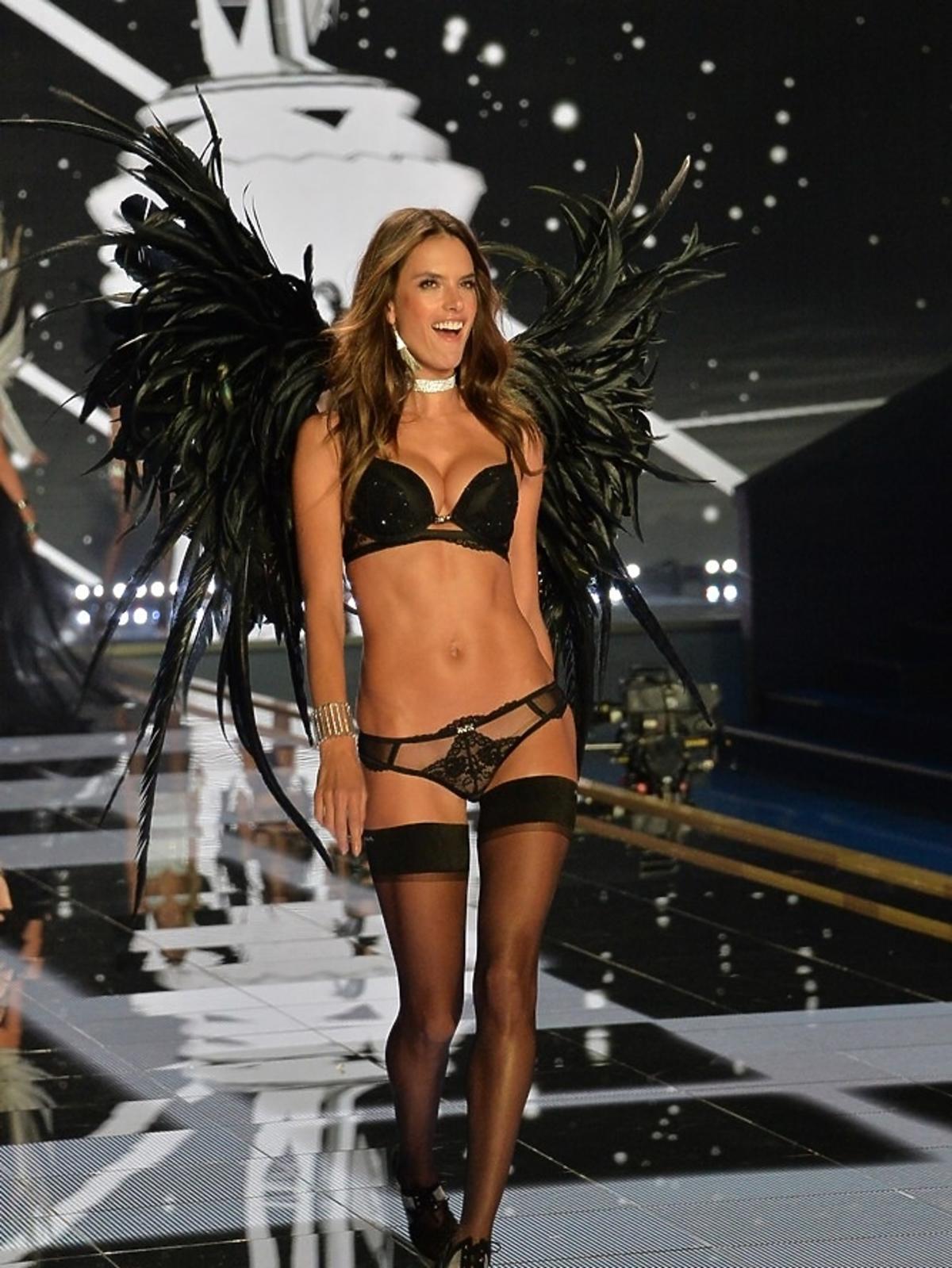Alessandra Amrosio na pokazie Victoria's Secret 2014