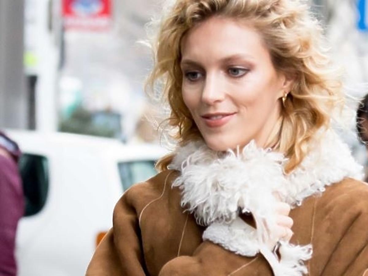 Anja Rubik w paryskim Vogue promuje Warszawę