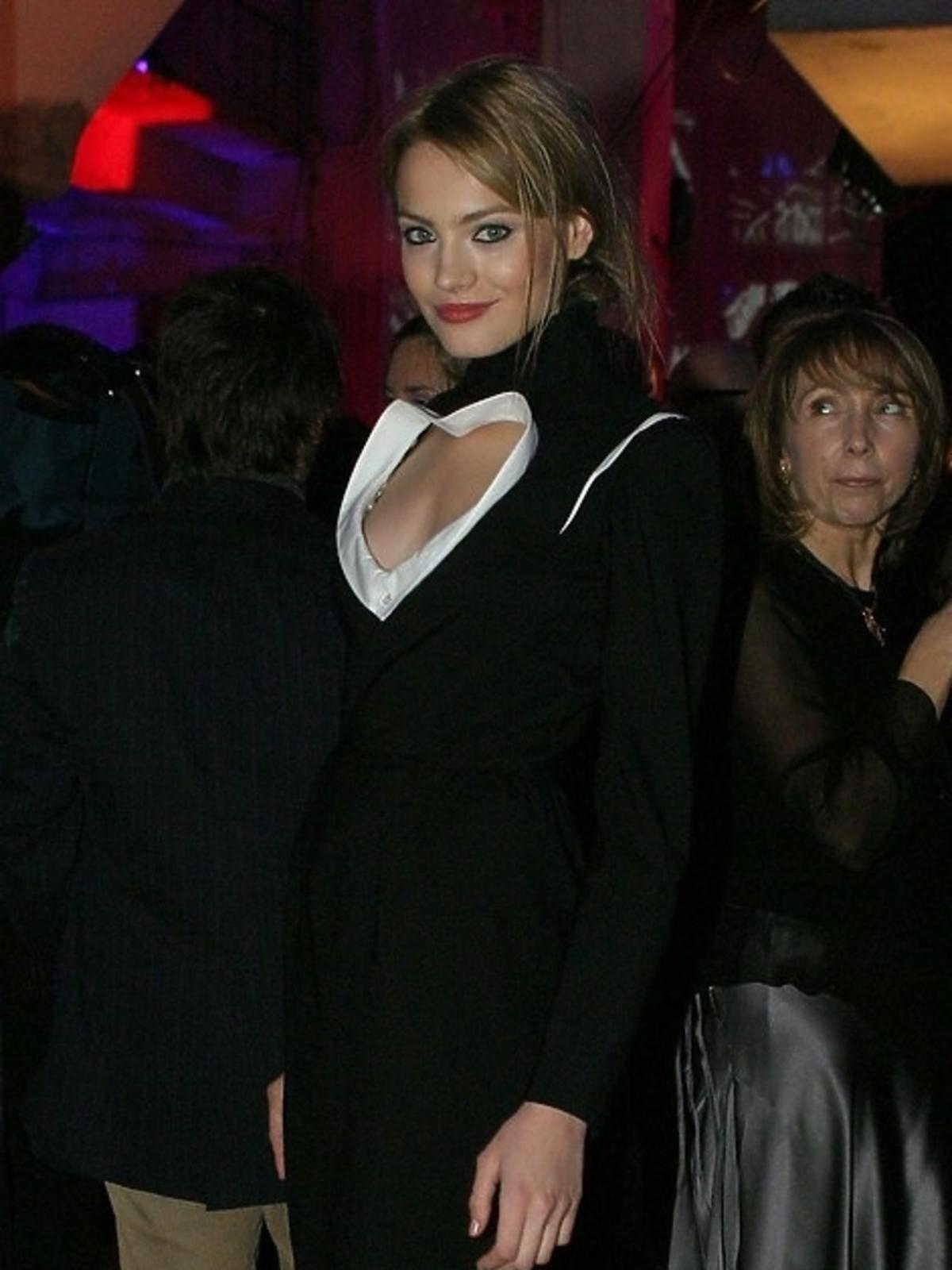 Anna Jagodzińska w czarnej sukience