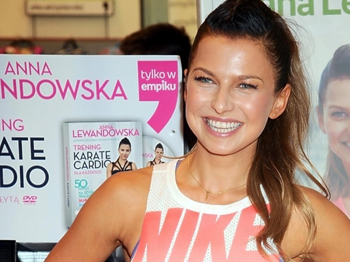 Anna Lewandowska na promocji swojej książki