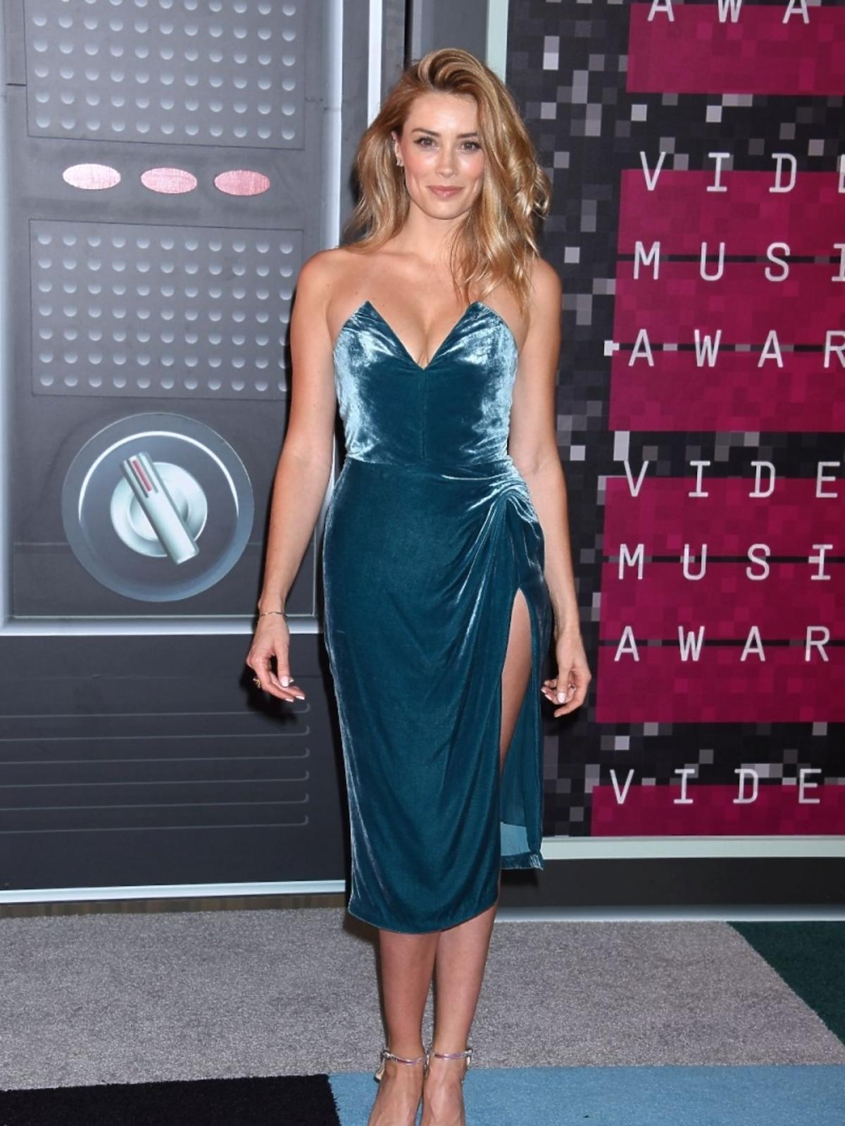 Arielle Vandenberg na gali MTV Music Awards 2015