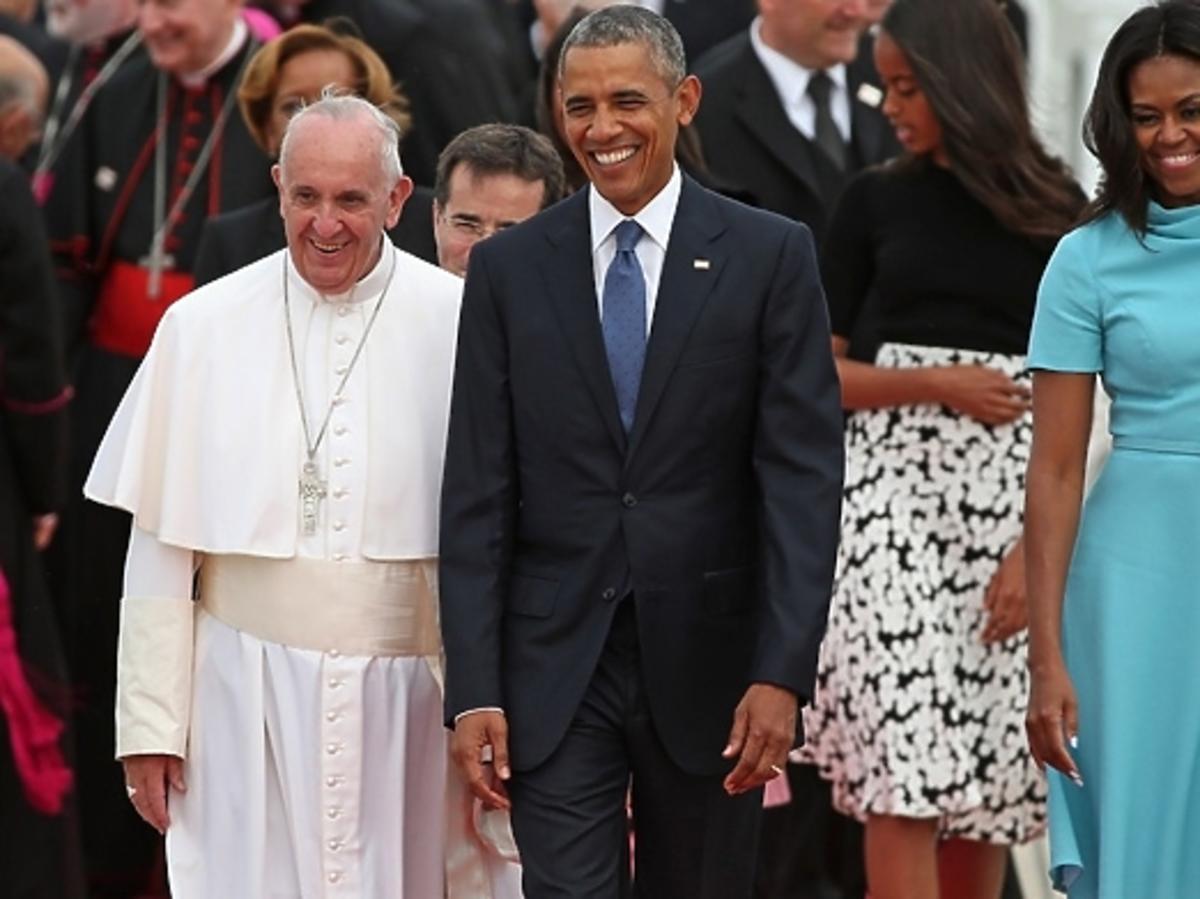 Barack Obama z rodziną przywitał Papieża Franciszka na lotnisku