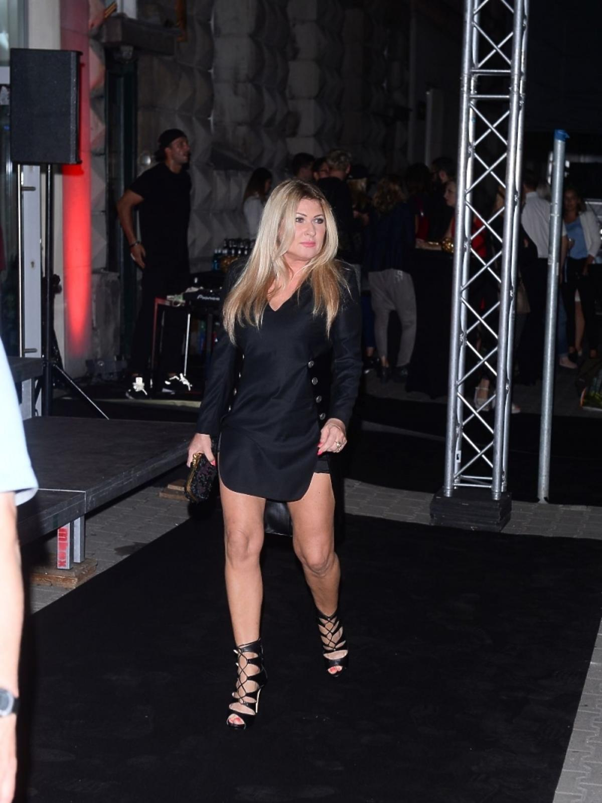 Beata Kozidrak w mini sukience