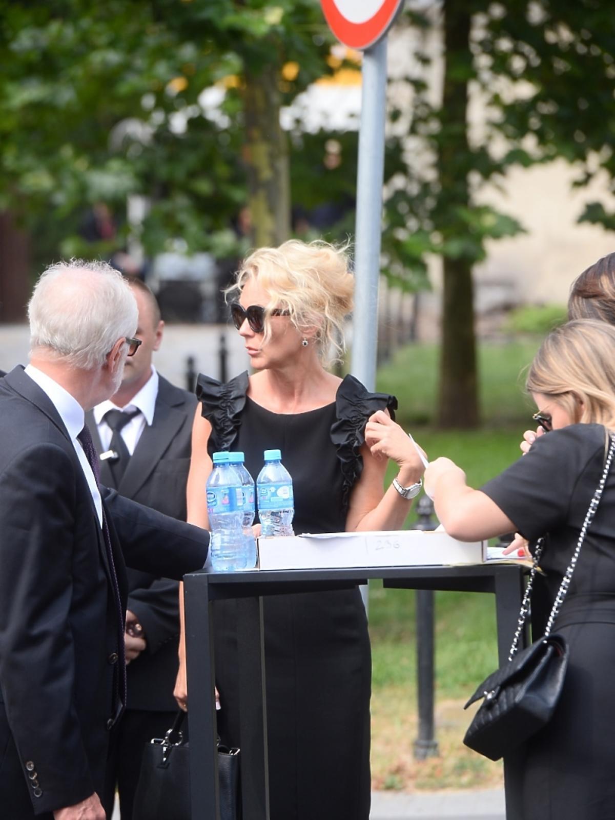 Beata Ścibakówna na pogrzebie Jana Kulczyka