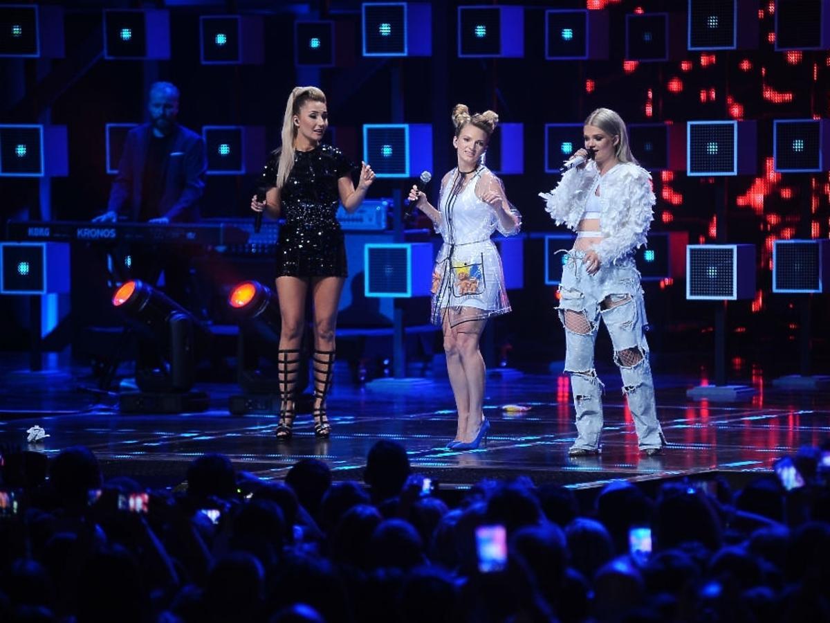 Cleo, Sarsa i Margaret na scenie