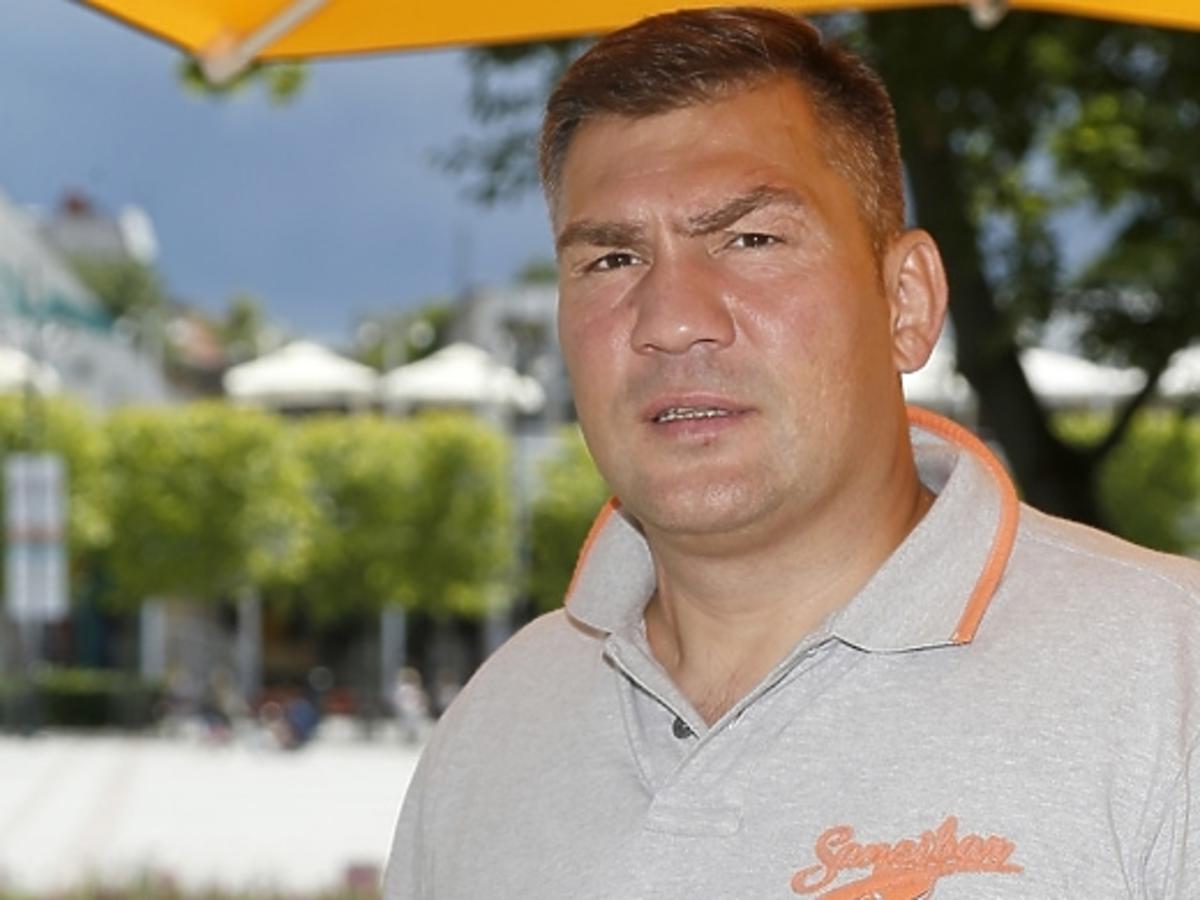 """Dariusz Michalczewski w teledysku """"No Mercy"""""""
