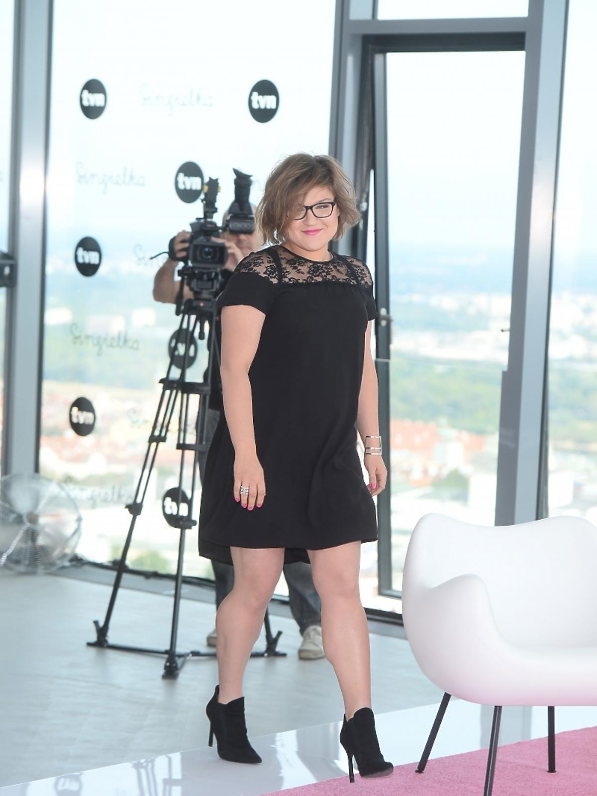 Dominika Gwit w czarnej sukience