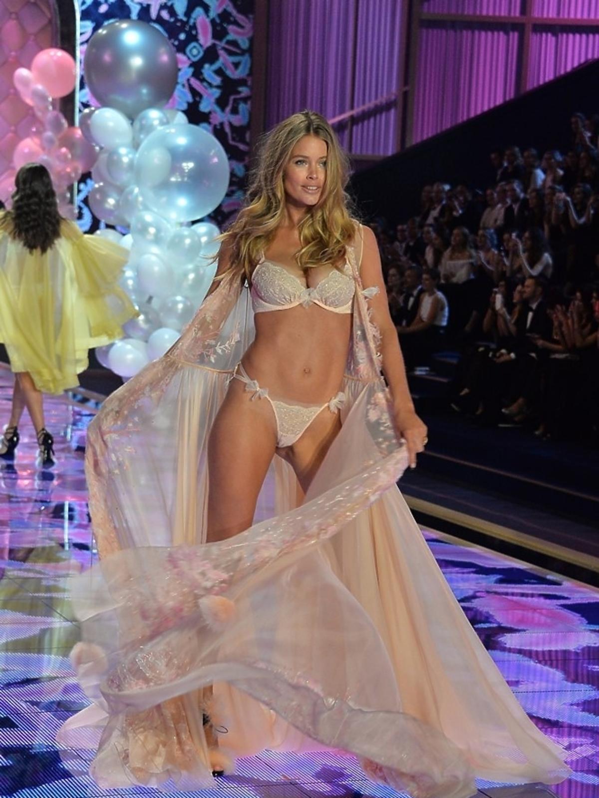 Doutzen Kroes na pokazie Victoria's Secret 2014