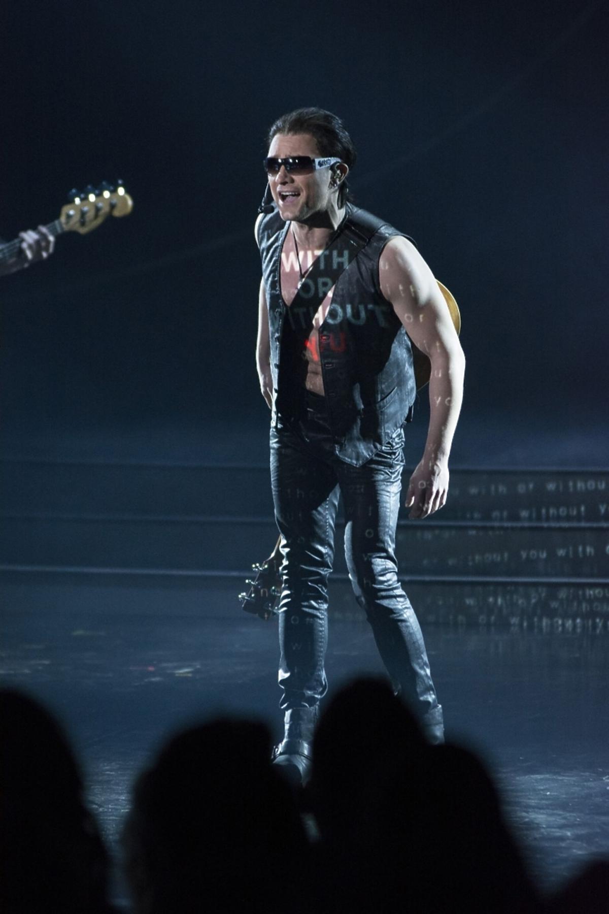 Grzegorz Wilk jako Bono w czwartym odcinku TTBZ