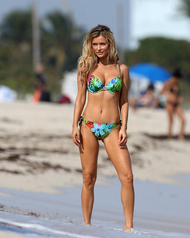 Joanna Krupa w bikini. Joanna Krupa nago. Krupa Playboy