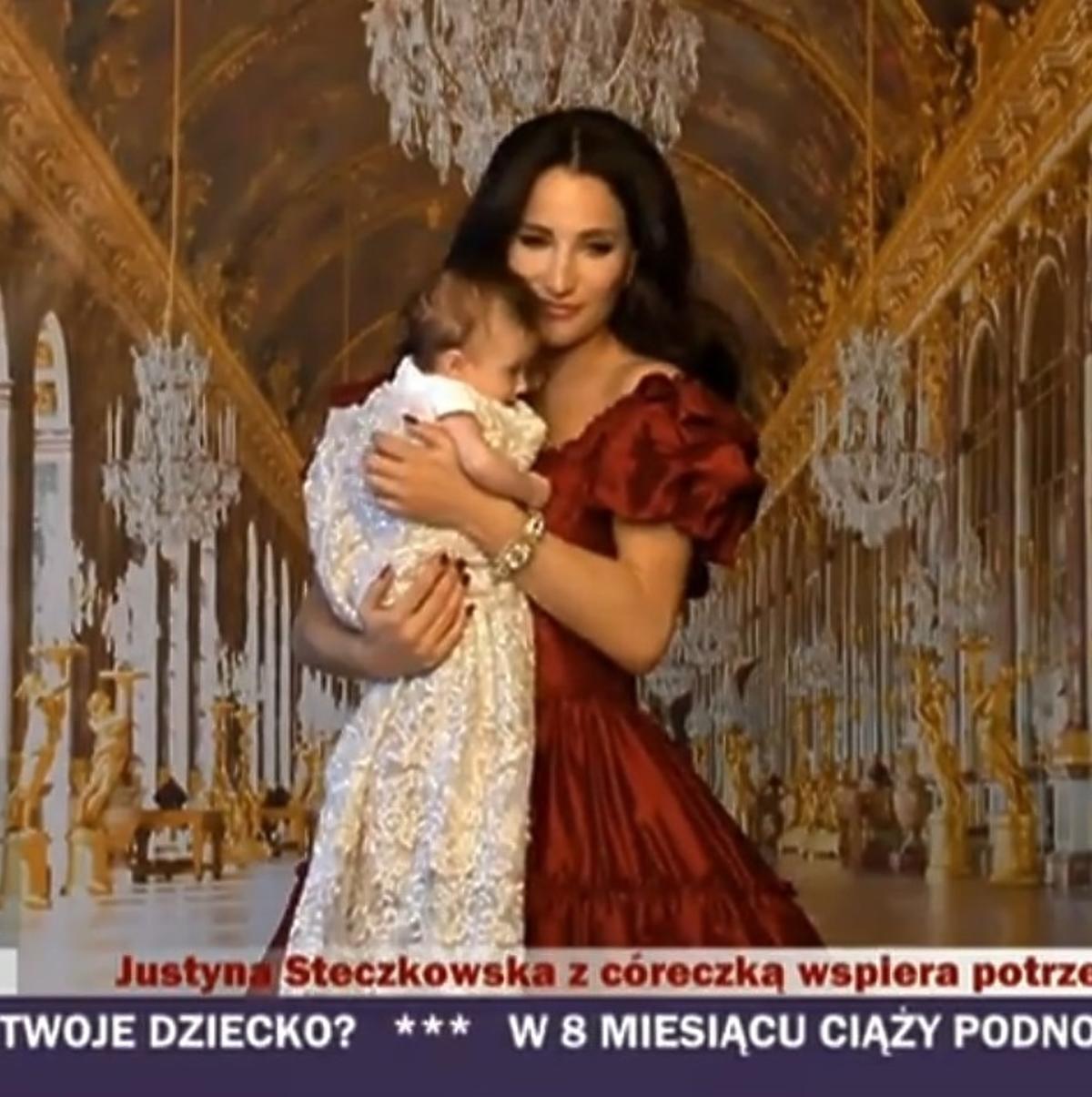 Justyna Steczkowska z córką Helenką za kulisami sesji dla