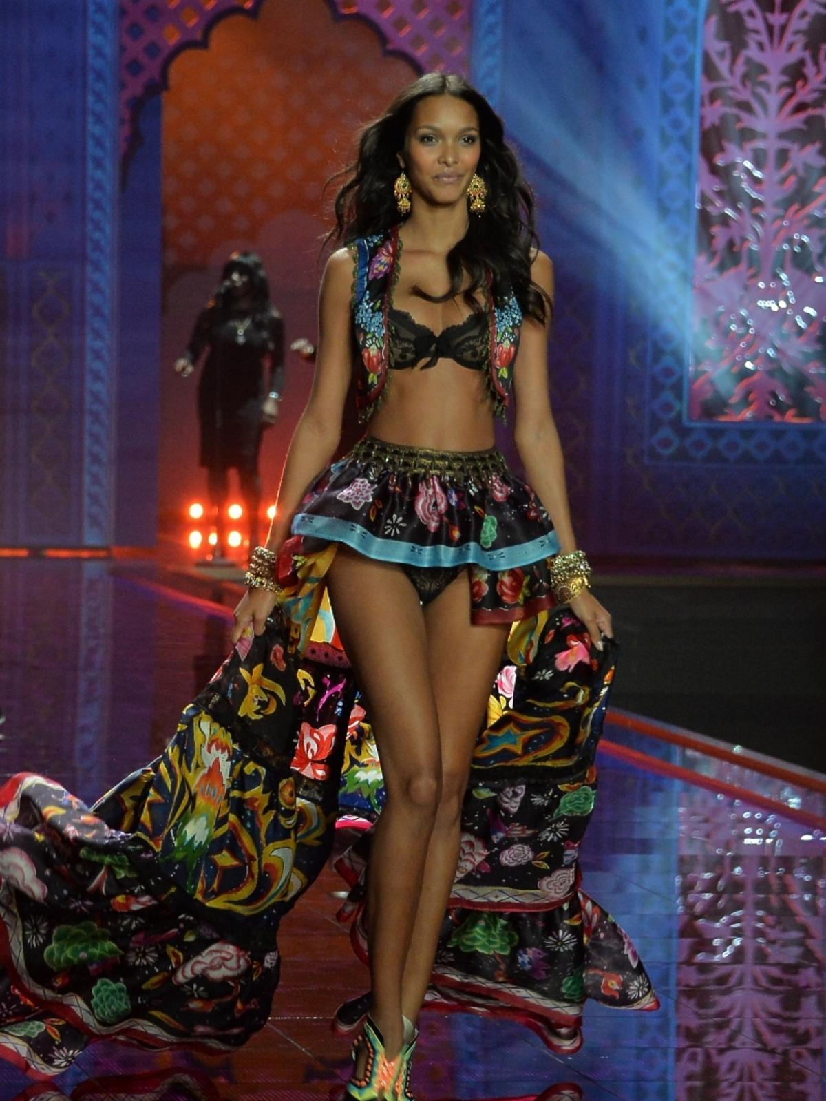 Lais Ribeiro na pokazie Victoria's Secret 2014