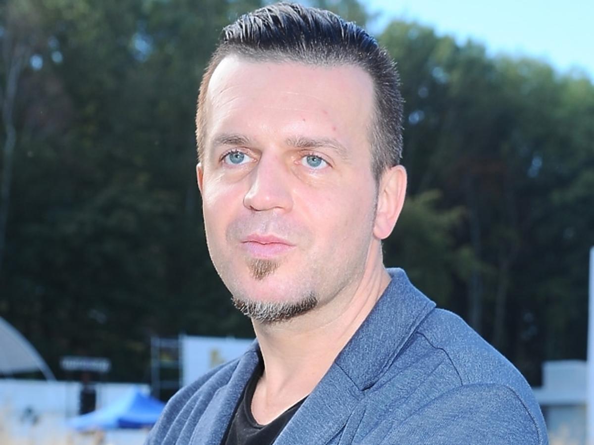 Marcin Wrona pozuje do zdjęć na festiwalu filmowym