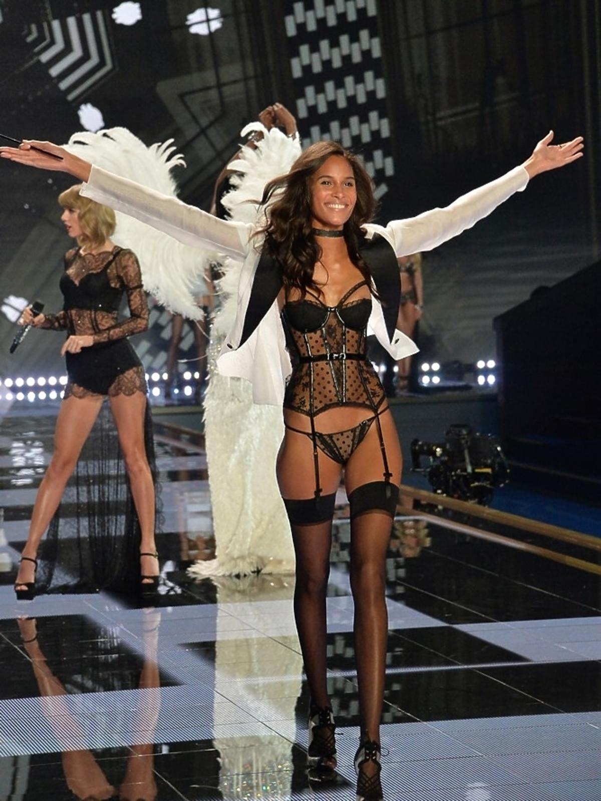 Maria Borges na pokazie Victoria's Secret 2014