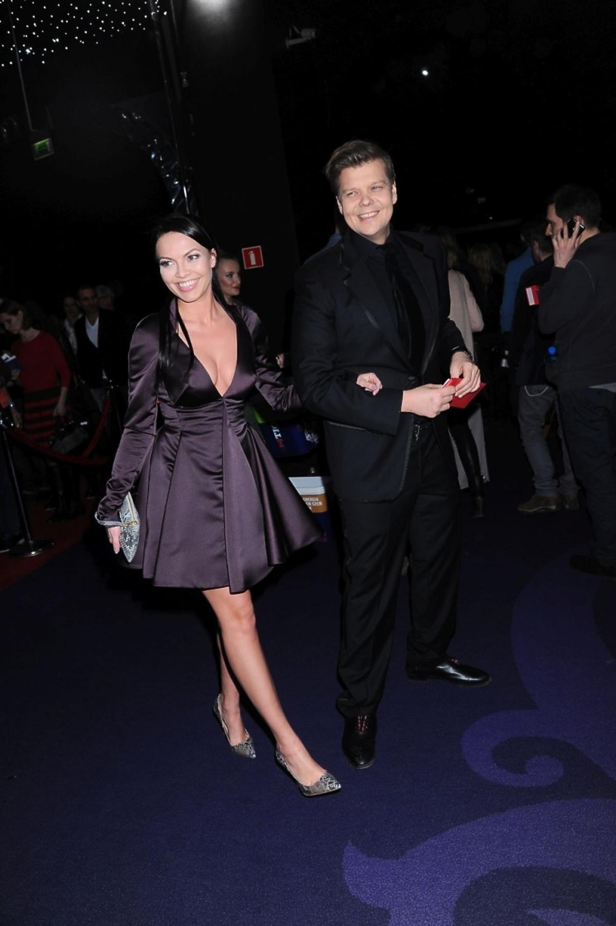 Michał Figurski z nową dziewczyną na premierze filmu
