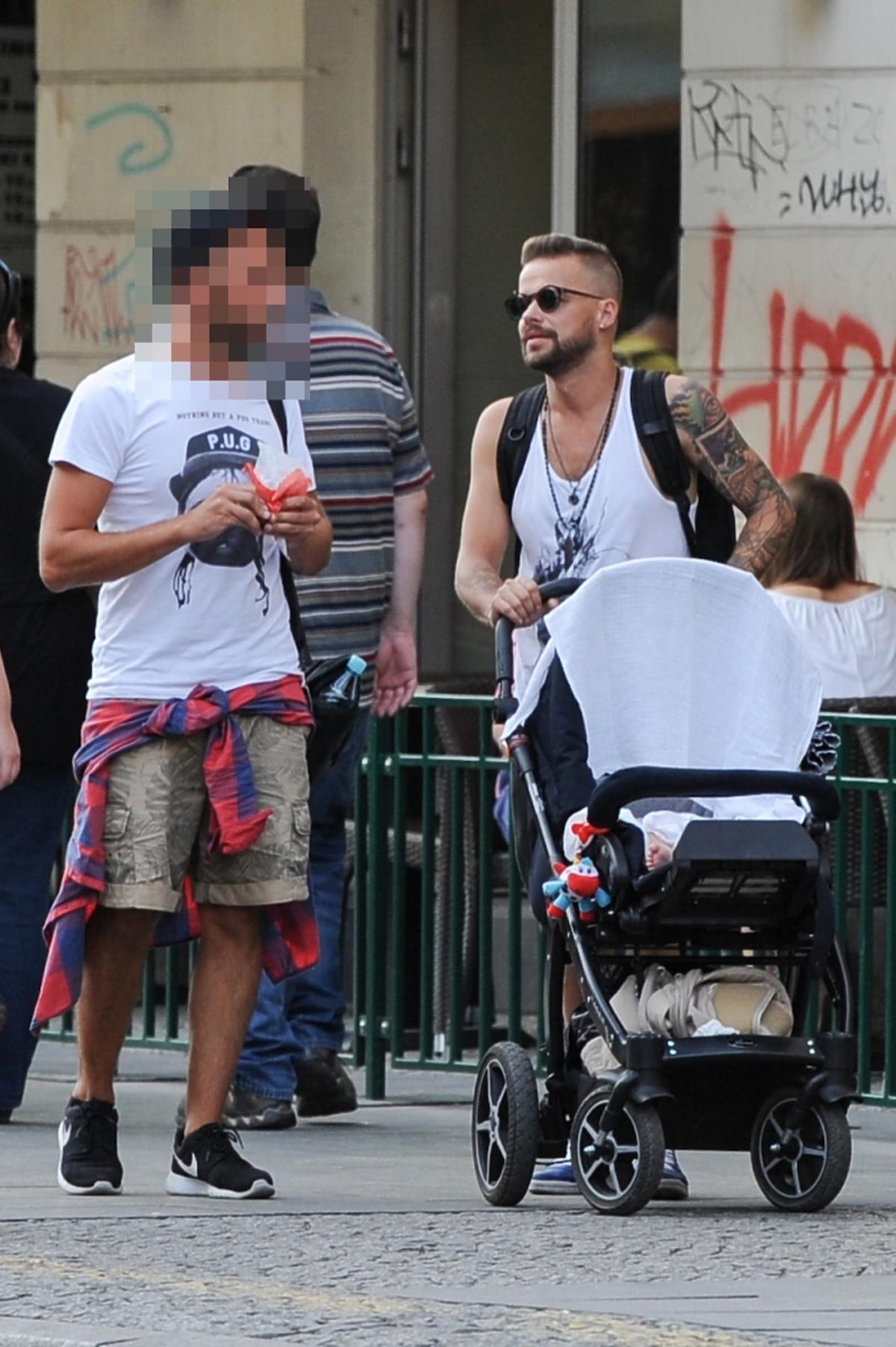 Michał Piróg z wózkiem
