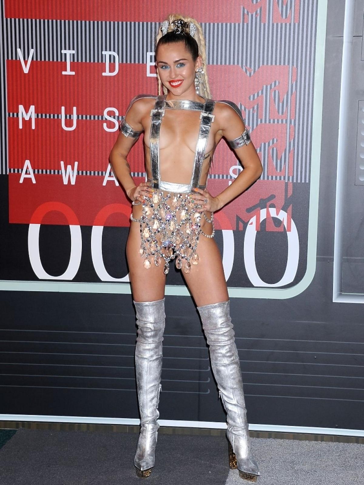 Miley Cyrus na gali MTV Music Awards 2015