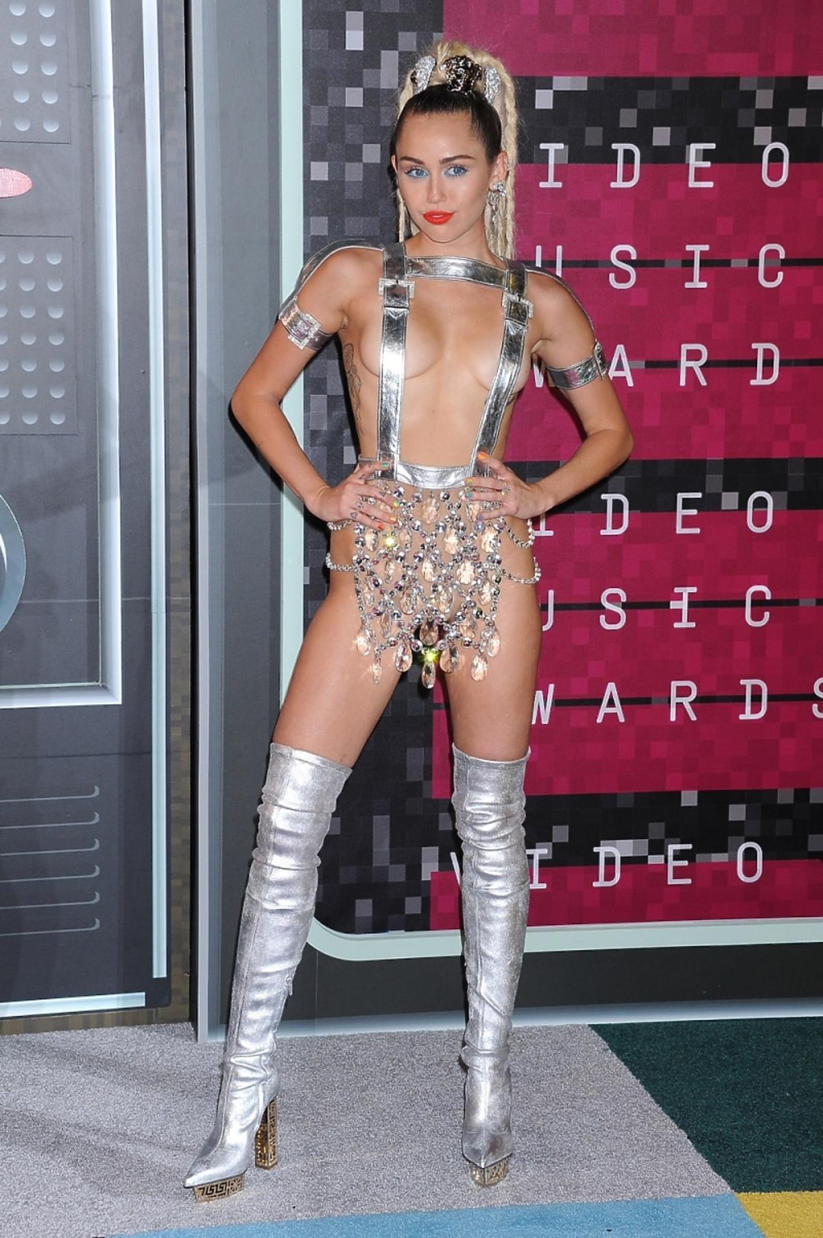 Miley Cyrus na gali MTV VMA 2015