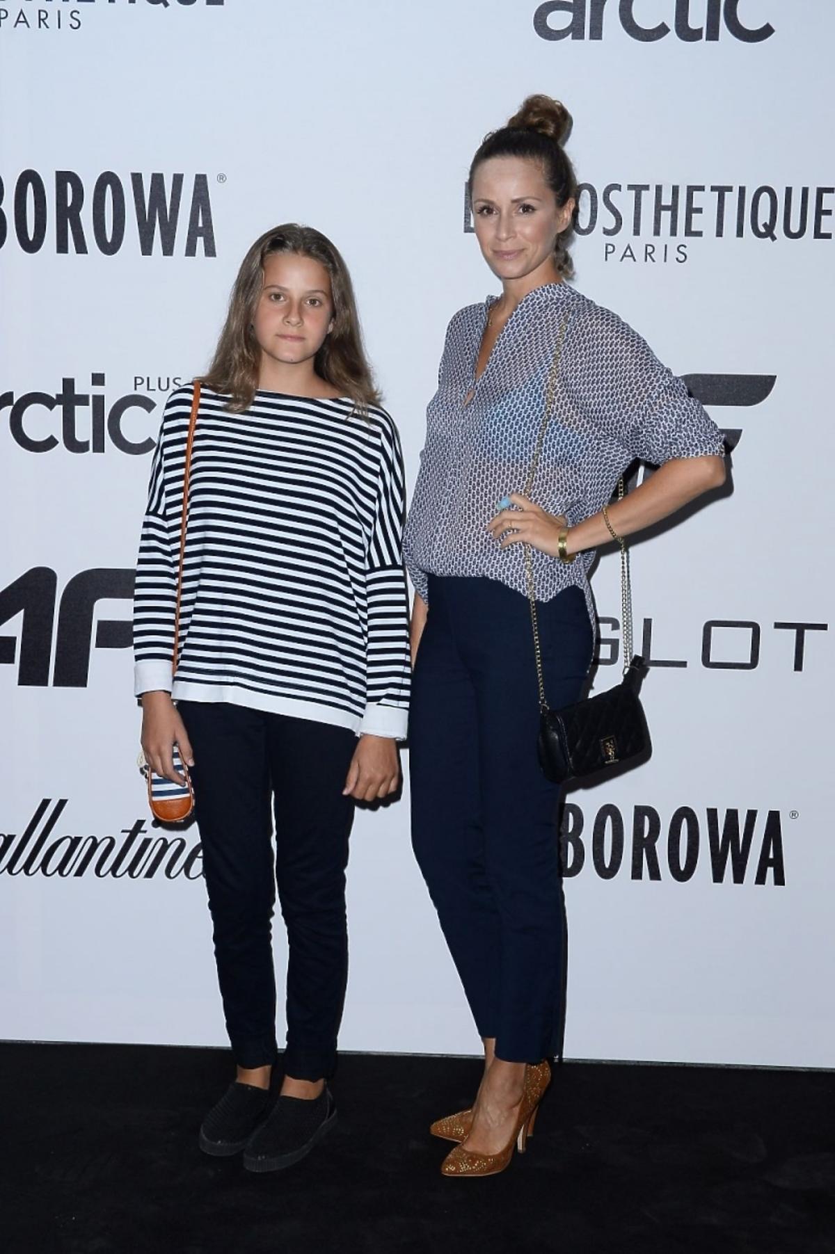 Monika Mrozowska z córką na pokazie 4F