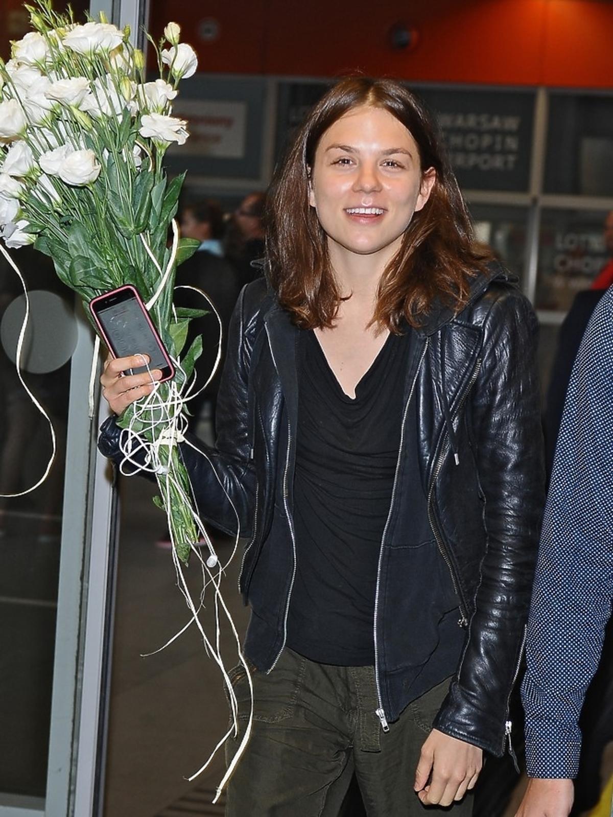 Morgane Polański na lotnisku w Polsce
