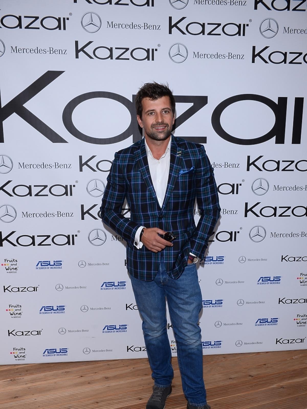 Patryk Mikiciuk na pokazie kolekcji marki Kazar
