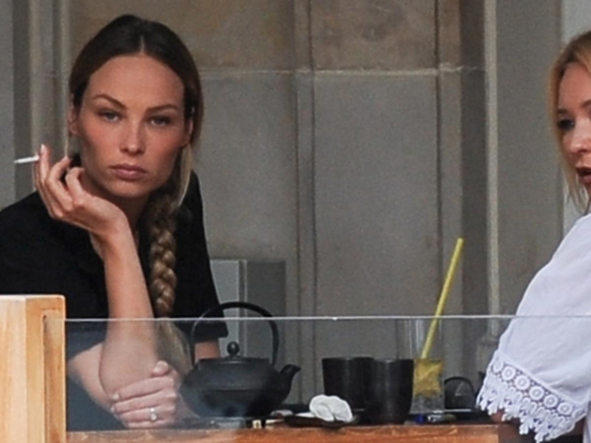 Weronika Książkiewicz i Marta Dąbrowska na obiedzie