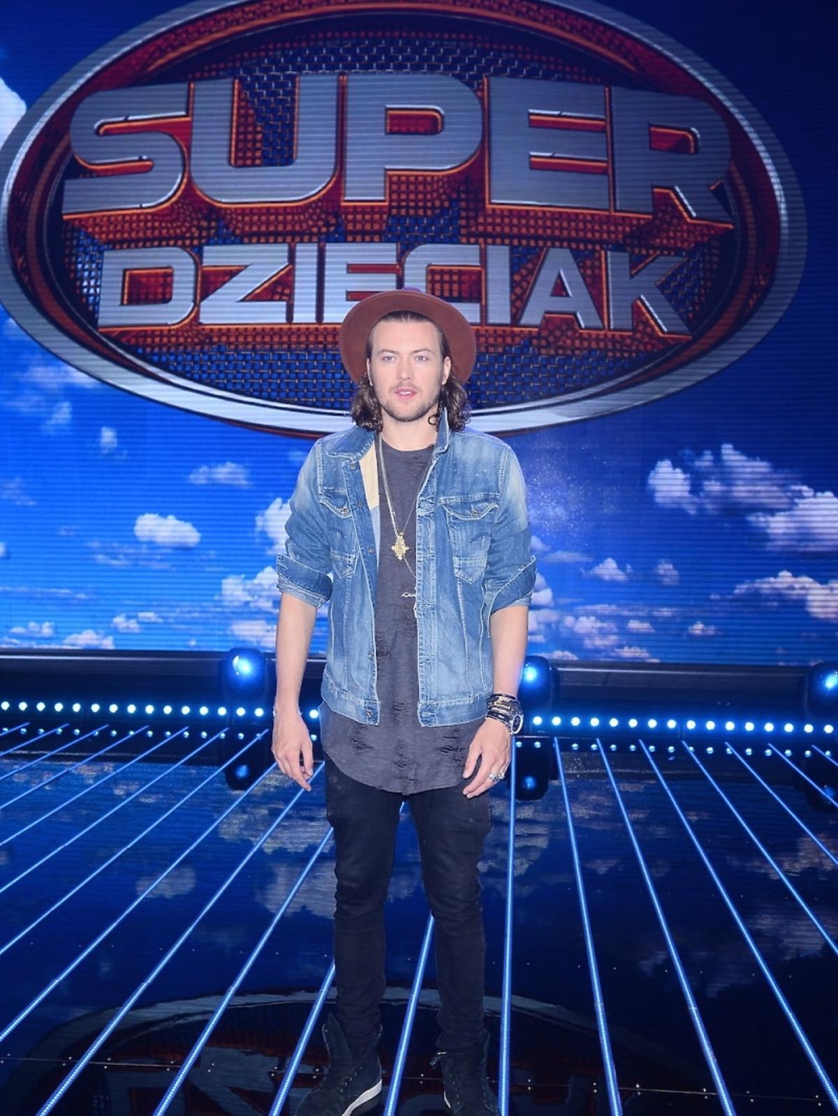 Wojciech Łozowski na nagraniu programu SuperDzieciak