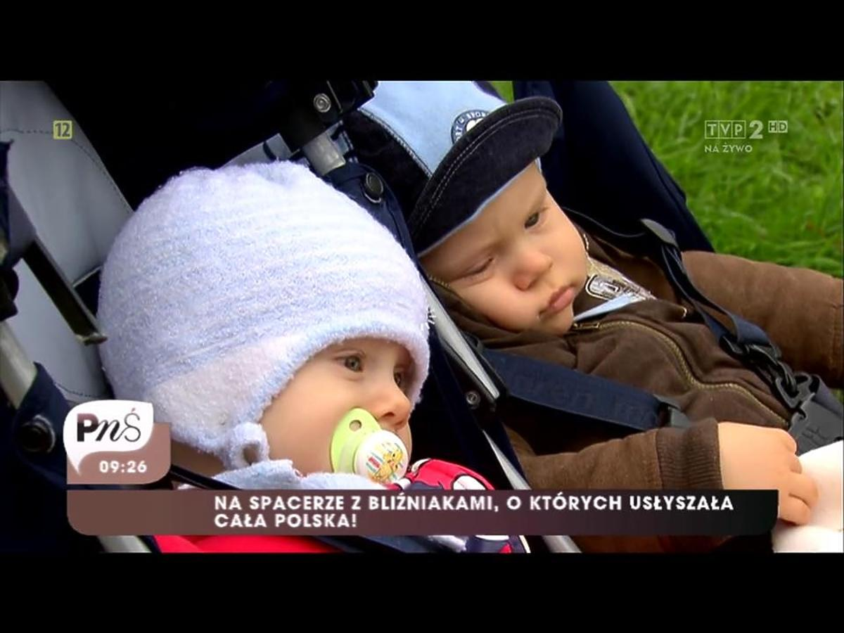 Dzieci Barbary Sienkiewicz w wózku na spacerze
