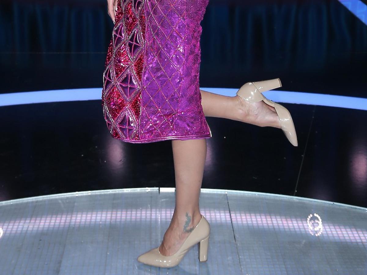 Agnieszka Szulim w fioletowej sukience