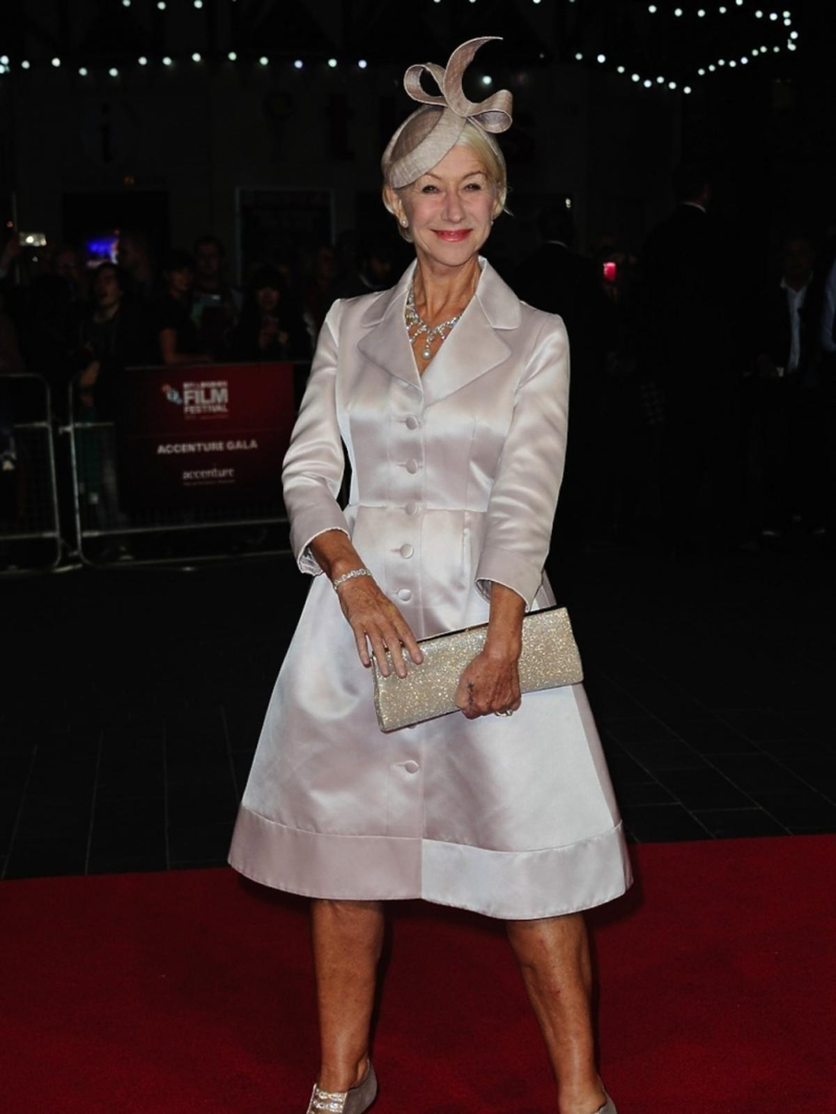 Helen Mirren w białej sukni