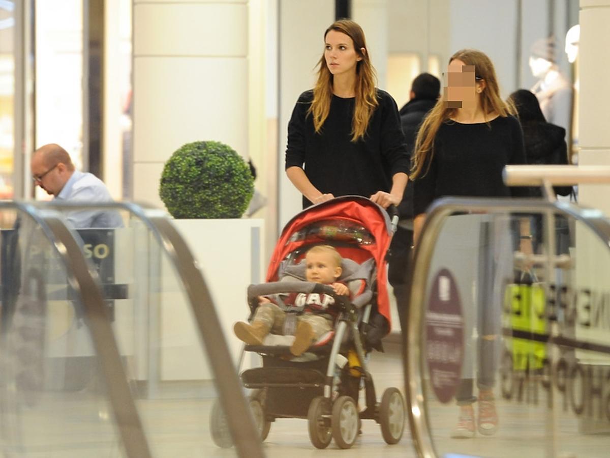 Natalia Gulkowska z synem na zakupach