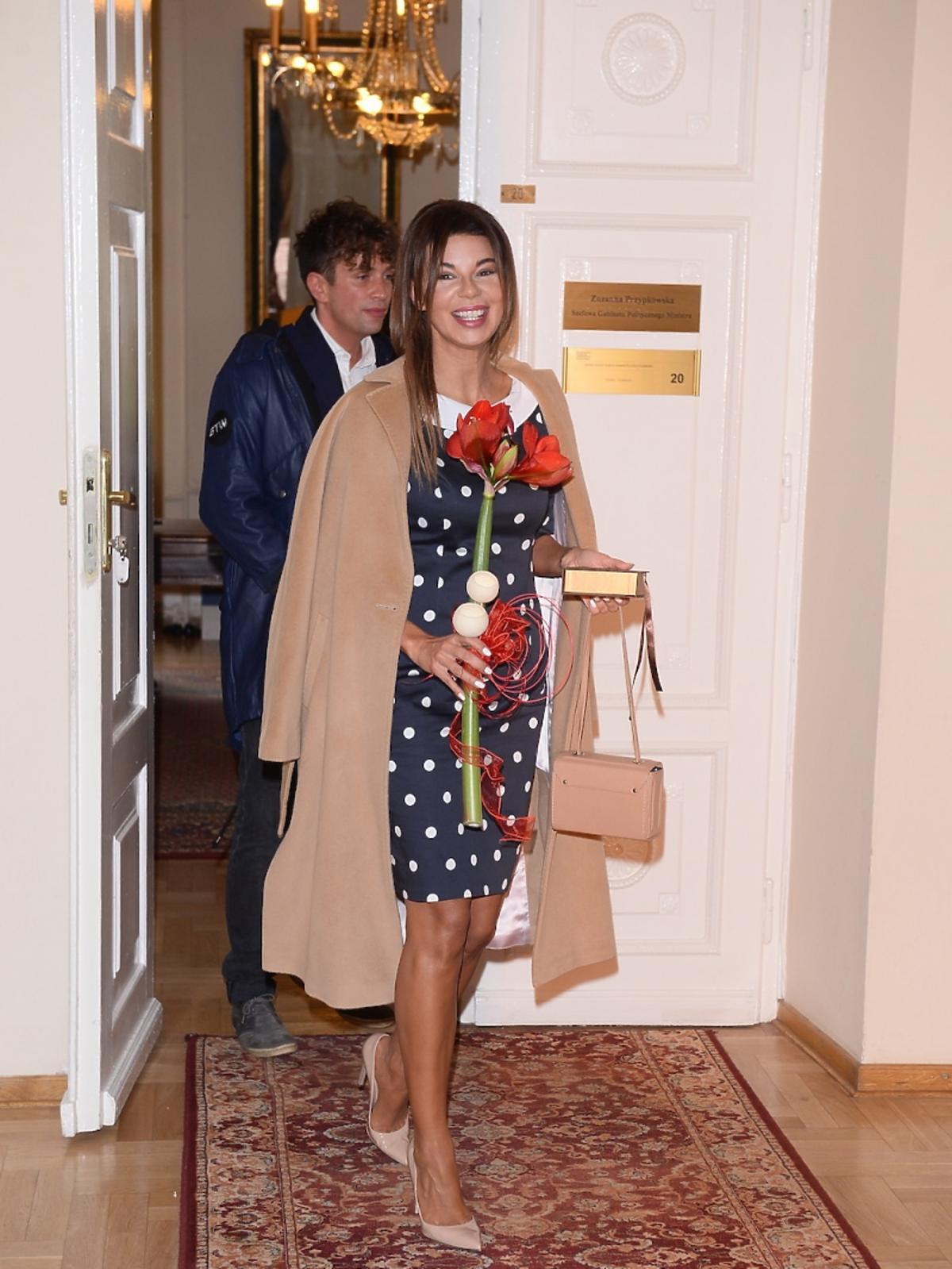 Edyta Górniak w sukience w groszki