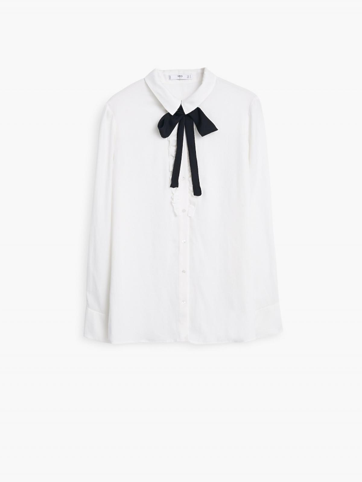 biała bluzka z czarnym wiązaniem