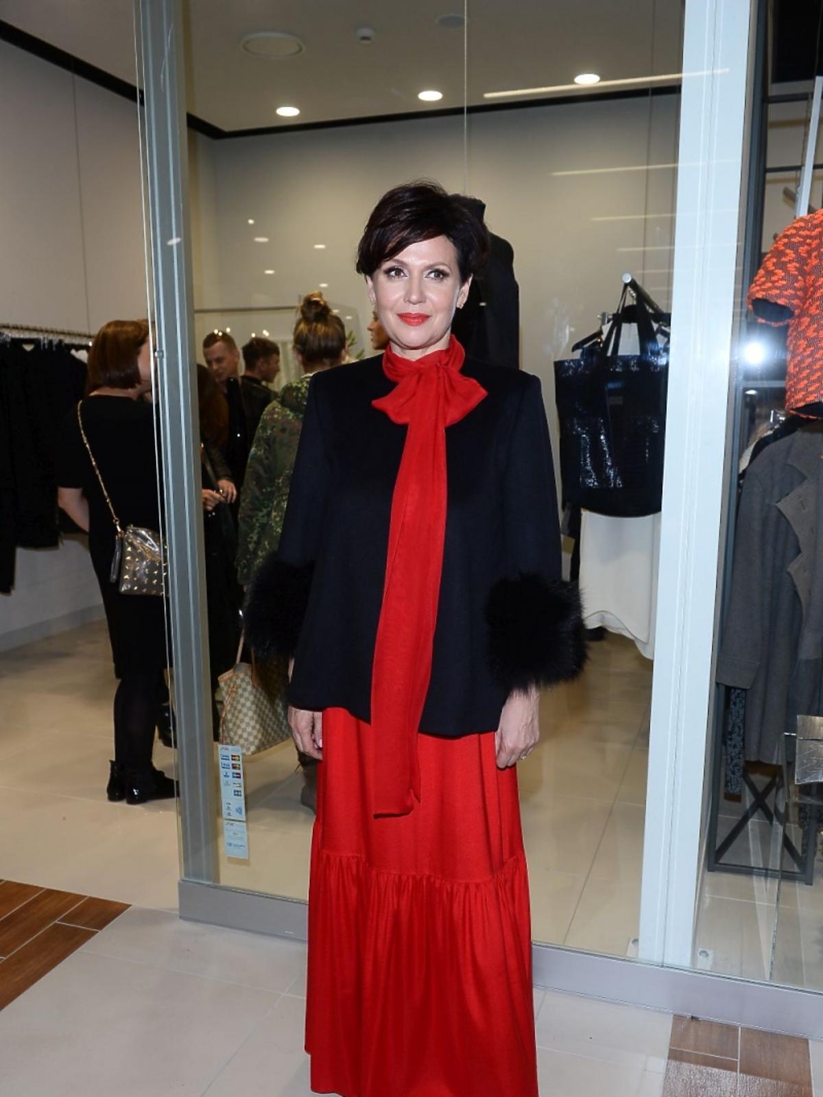 Małgorzata Pieńkowska w czerwonej sukience