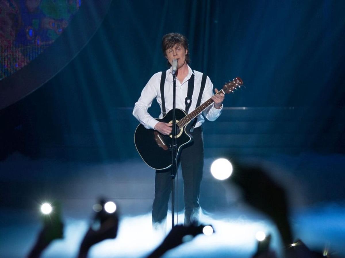 Krzysztof Respondek jako Paul McCartney w TTBZ
