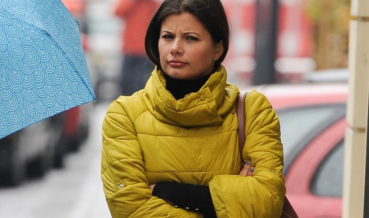 Agnieszka Sienkiewicz w  żółtej puchówce