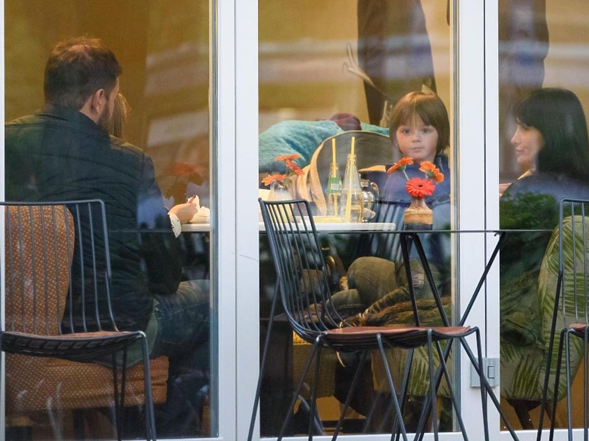 Tomasz Karolak z córką Leną w restauracji